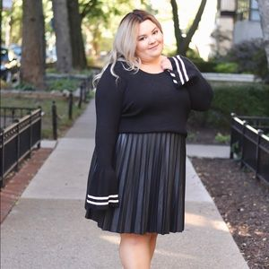 Dresses & Skirts - Pleated Faux Leather Midi Skirt